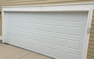 Garage Door Service Inc - White Garage Door